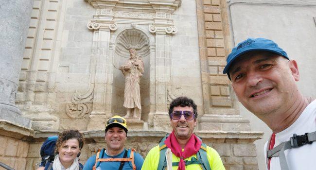 Il Cammino di San Giacomo in Sicilia è sempre più realtà: stamani partiti da Caltagirone altri quattro pellegrini